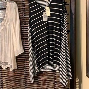 Max studio black and white stripe top NWT